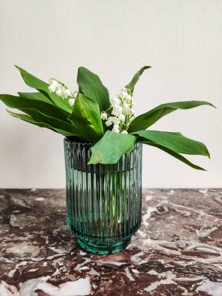 Petit vase en verre pour muguet