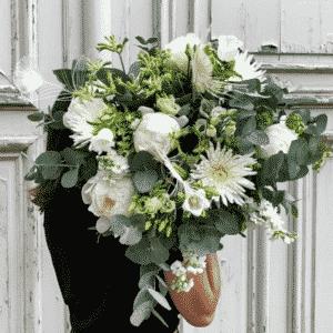 bouquet rond et blanc