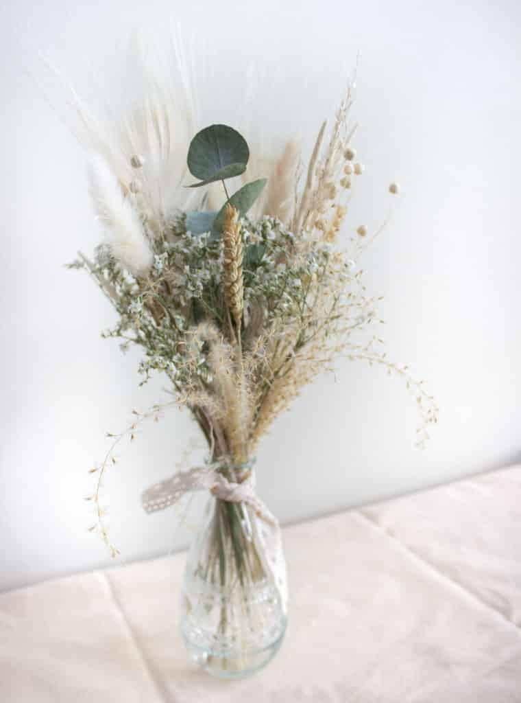 Vase de fleurs séchées - blanc