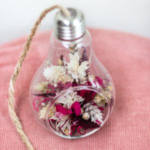 Ampoule de fleurs séchées
